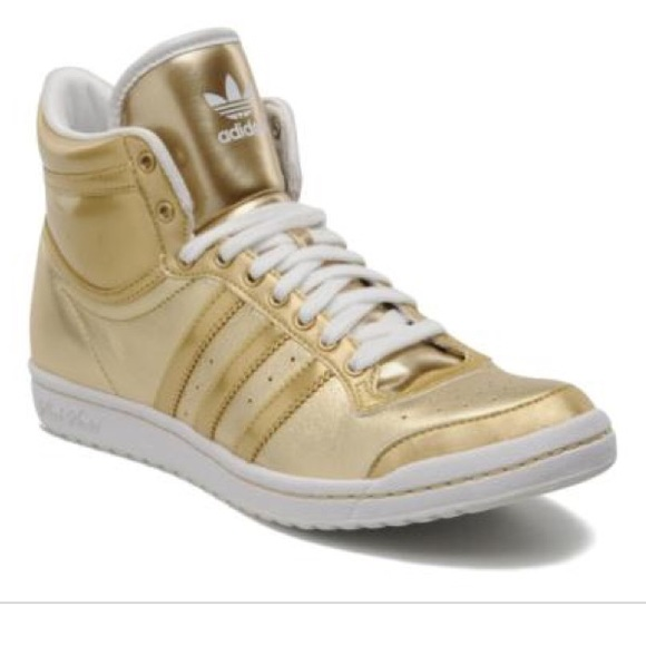 best service 982dc 27f38 adidas Shoes - Adidas gold trainers sleek series hi top